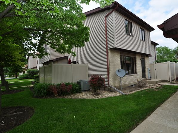 2 bed 2 bath Condo at 268 E Woodlawn Rd New Lenox, IL, 60451 is for sale at 130k - 1 of 11