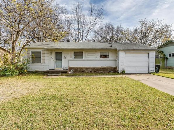 2 bed 1 bath Single Family at 120 NE Anderson St Burleson, TX, 76028 is for sale at 100k - 1 of 24
