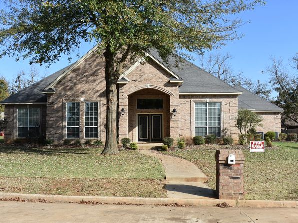 4 bed 3 bath Single Family at 512 Michelle Ln Paris, TX, 75462 is for sale at 293k - 1 of 9
