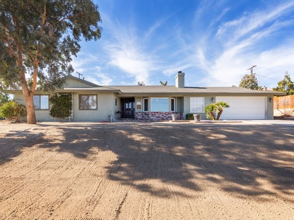3 bed 2 bath Single Family at 7590 WHITNEY AVE YUCCA VALLEY, CA, 92284 is for sale at 278k - 1 of 22