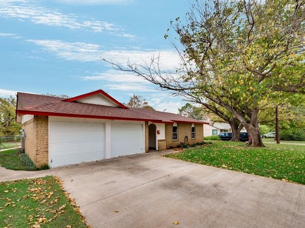 3 bed 2 bath Single Family at 804 N Lucas Dr Grapevine, TX, 76051 is for sale at 263k - 1 of 26