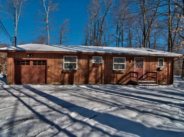 4 bed 2 bath Single Family at 2376 Hillcrest Dr Pocono Pines, PA, 18350 is for sale at 189k - 1 of 58