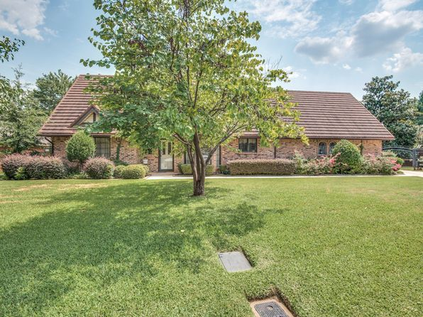 3 bed 3 bath Single Family at 1008 Curtis Ct Arlington, TX, 76012 is for sale at 273k - 1 of 25