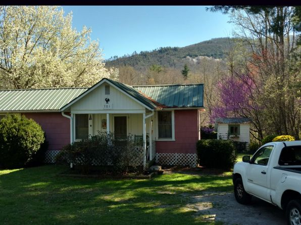 1 bed 1 bath Single Family at 701 Crab Creek Rd Hendersonville, NC, 28739 is for sale at 115k - 1 of 11