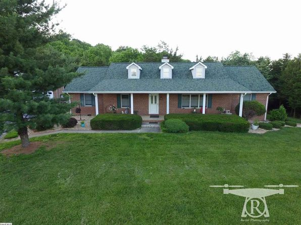 4 bed 2 bath Single Family at 60 BERRY LN STAUNTON, VA, 24401 is for sale at 420k - 1 of 42