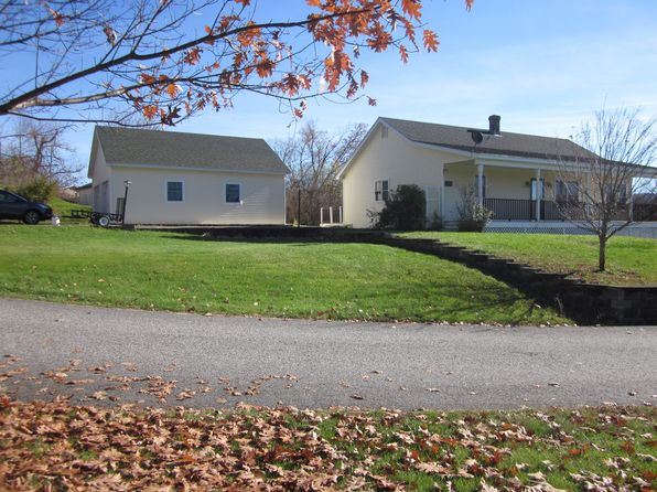 3 bed 2 bath Miscellaneous at 601 Union St Littleton, NH, 03561 is for sale at 350k - 1 of 5