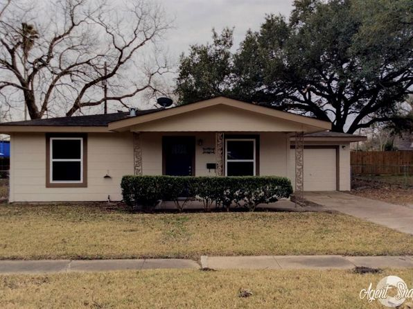 3 bed 1 bath Single Family at 930 E Magnolia St Angleton, TX, 77515 is for sale at 123k - 1 of 15