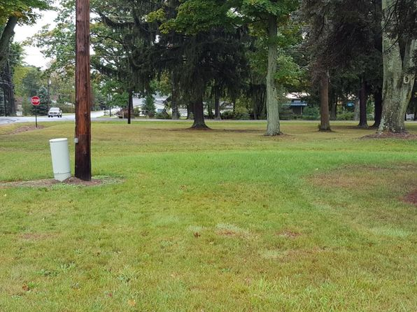 null bed null bath Vacant Land at 4134 Fikes Rd Benton Harbor, MI, 49022 is for sale at 110k - 1 of 6