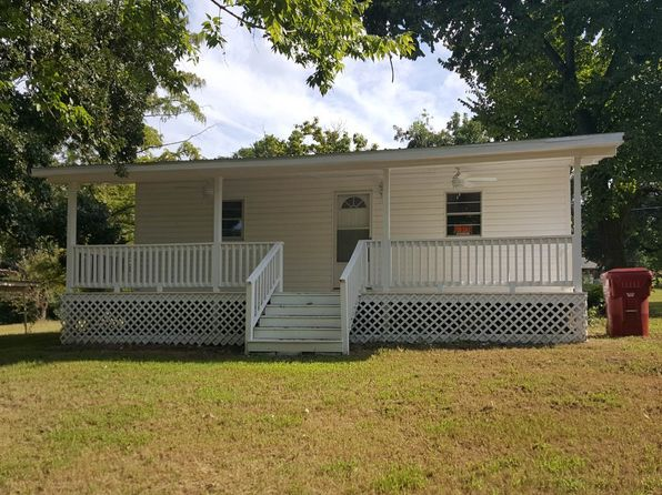 3 bed 1 bath Single Family at 702 E Bissell St Hugo, OK, 74743 is for sale at 78k - 1 of 19