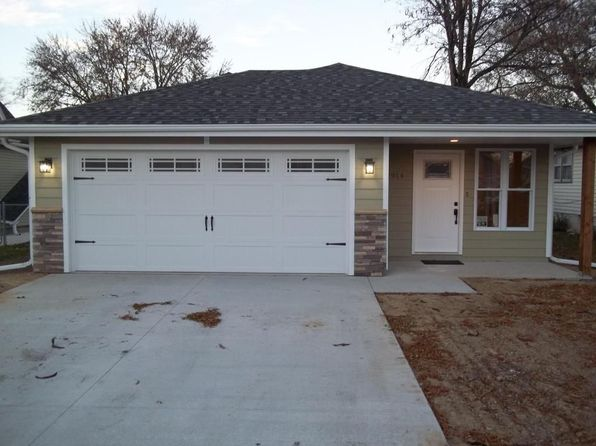 3 bed 2 bath Single Family at 2914 Avenue E Council Bluffs, IA, 51501 is for sale at 159k - 1 of 16