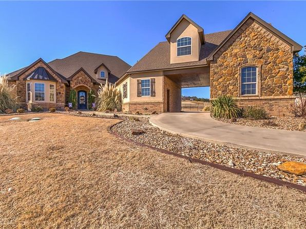 3 bed 5 bath Single Family at 1312 Bentwater Pkwy Granbury, TX, 76049 is for sale at 559k - 1 of 36