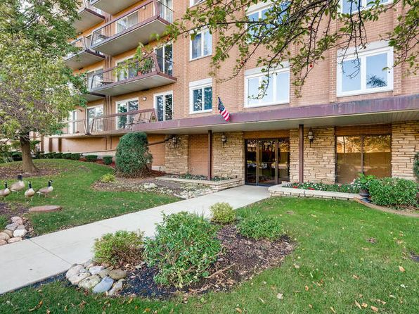 2 bed 2 bath Condo at 8101 W Courte Dr Niles, IL, 60714 is for sale at 190k - 1 of 12