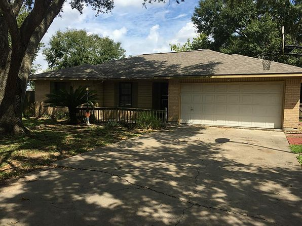 3 bed 2 bath Single Family at 10 Tellina St Bay City, TX, 77414 is for sale at 170k - 1 of 12