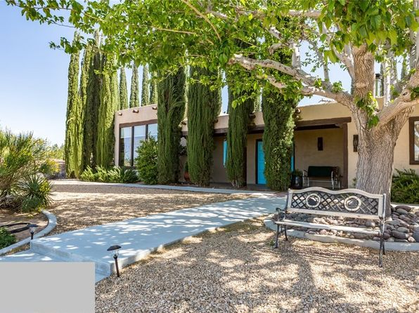 3 bed 2 bath Single Family at 20129 EYOTA RD APPLE VALLEY, CA, 92308 is for sale at 320k - 1 of 34