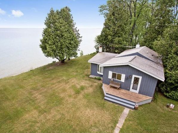 1 bed 1 bath Single Family at N8284 Hwy S Algoma, WI, 54201 is for sale at 235k - 1 of 21