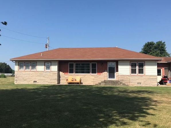4 bed 1.75 bath Single Family at 2701 S Broadway Ave Salem, IL, 62881 is for sale at 129k - google static map