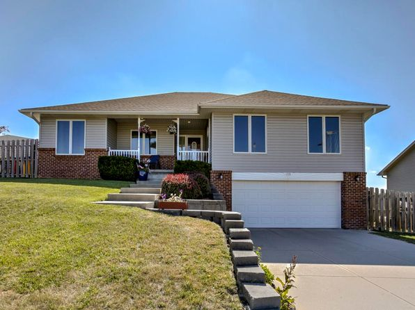 4 bed 3 bath Single Family at 109 Sunset Dr Underwood, IA, 51576 is for sale at 250k - 1 of 24