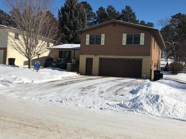 4 bed 3 bath Single Family at 926 7th Ave W Dickinson, ND, 58601 is for sale at 295k - 1 of 40