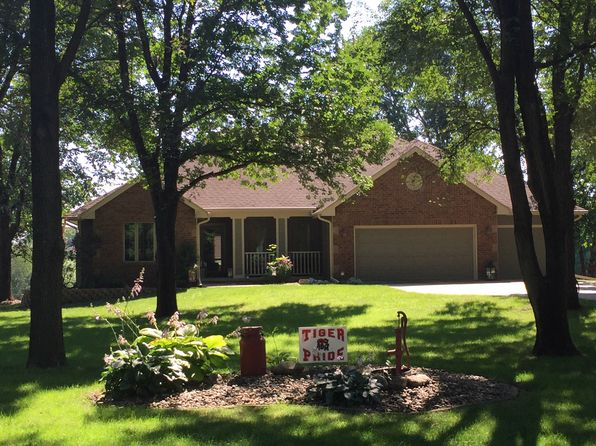4 bed 3 bath Single Family at 26060 Burr Oak Ln Adel, IA, 50003 is for sale at 445k - 1 of 20