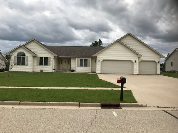 3 bed 2 bath Single Family at 717 Robin Rd Waupun, WI, 53963 is for sale at 215k - 1 of 14