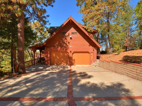 4 bed 3 bath Single Family at 1424 INNSBRUCK DR LAKE ARROWHEAD, CA, 92352 is for sale at 673k - 1 of 37
