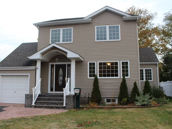 3 bed 3 bath Single Family at 18 Sherman Rd Farmingdale, NY, 11735 is for sale at 599k - 1 of 42
