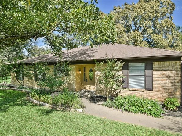 2 bed 2 bath Single Family at 8022 Ravenswood Rd Granbury, TX, 76049 is for sale at 218k - 1 of 36