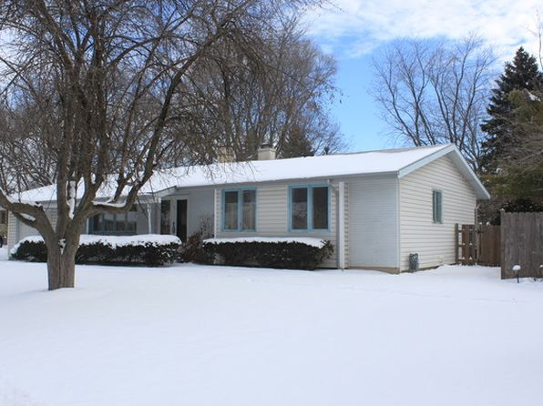 3 bed 2 bath Single Family at 711 Coventry Ln Crystal Lake, IL, 60014 is for sale at 120k - 1 of 15