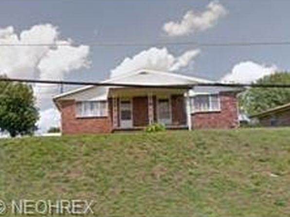 4 bed 2 bath Multi Family at 1106/1108 Lockwood St Belpre, OH, 45714 is for sale at 125k - google static map