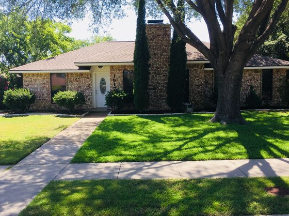 3 bed 2 bath Single Family at 1917 MARSEILLES CT CARROLLTON, TX, 75007 is for sale at 275k - 1 of 9