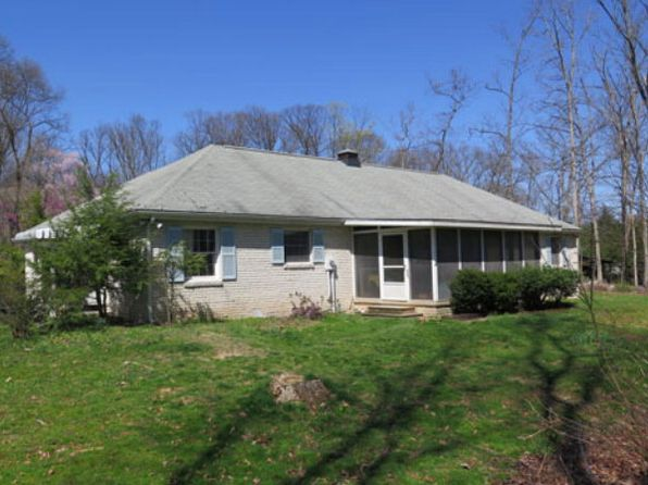 2 bed 2 bath Single Family at 9625 Daisy Ln Huntingdon, PA, 16652 is for sale at 122k - 1 of 19