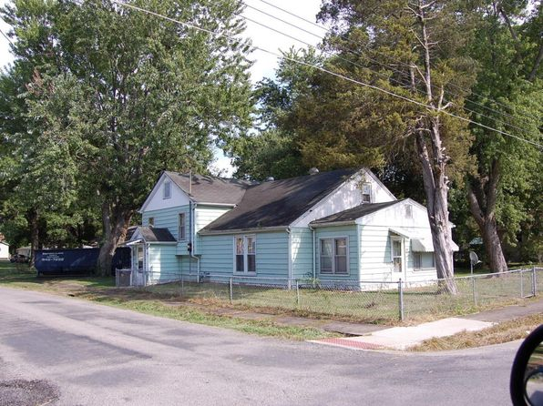 2 bed 2 bath Single Family at 810 Fairland St Benton, IL, 62812 is for sale at 22k - 1 of 21