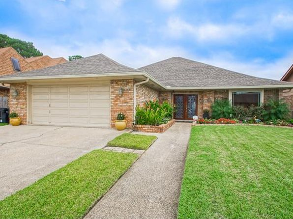 3 bed 2 bath Single Family at 7211 Lake Barrington Dr New Orleans, LA, 70128 is for sale at 253k - 1 of 25