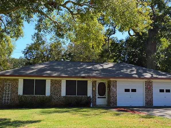 3 bed 2 bath Single Family at 106 Birch St Lake Jackson, TX, 77566 is for sale at 145k - 1 of 14