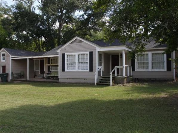 4 bed 2 bath Single Family at 415 W Seale St Nacogdoches, TX, 75964 is for sale at 75k - 1 of 12
