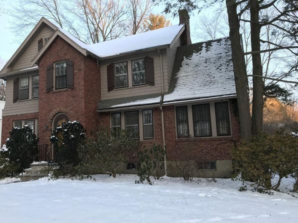 3 bed 2 bath Single Family at 786 CHESTNUT ST WABAN, MA, 02468 is for sale at 849k - 1 of 9