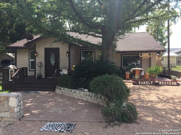 3 bed 3 bath Single Family at 611 11th St Bandera, TX, 78003 is for sale at 250k - 1 of 17