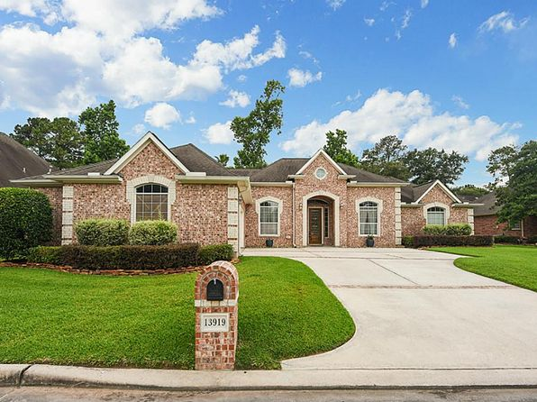 3 bed 2 bath Single Family at 13919 Barrington Fairway Houston, TX, 77069 is for sale at 330k - 1 of 26