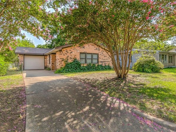 3 bed 2 bath Single Family at 907 W Bridge St Granbury, TX, 76048 is for sale at 125k - 1 of 46