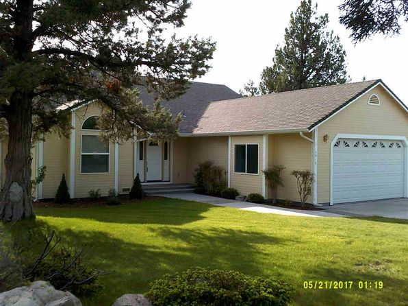 3 bed 2 bath Single Family at 15916 Sherwood Rd Weed, CA, 96094 is for sale at 270k - 1 of 13