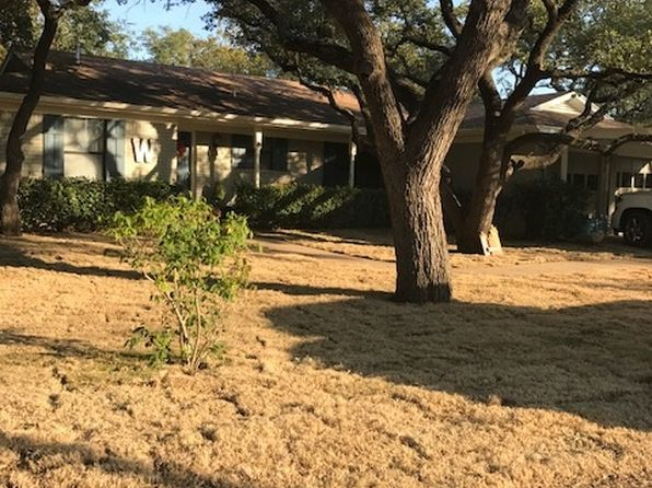 3 bed 2 bath Single Family at 1609 Oak St Burnet, TX, 78611 is for sale at 220k - 1 of 9