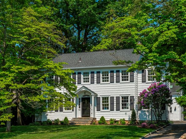 5 bed 4 bath Single Family at 64 LOUGHLIN AVE COS COB, CT, 06807 is for sale at 1.70m - 1 of 22