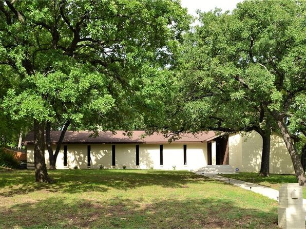 3 bed 2 bath Single Family at 2800 Santa Monica Dr Denton, TX, 76205 is for sale at 320k - 1 of 31