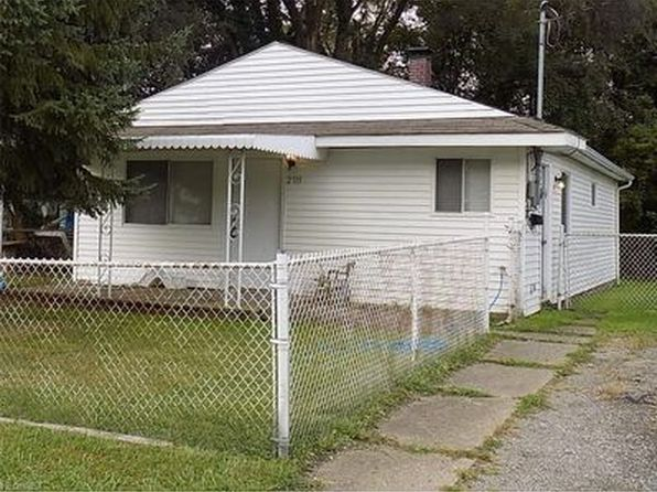 2 bed 1 bath Single Family at 2715 Maxine Ave NE Canton, OH, 44705 is for sale at 35k - 1 of 13