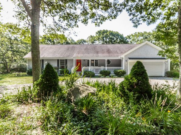 3 bed 3 bath Single Family at 14 Iron Hill Rd Oak Bluffs, MA, 02557 is for sale at 739k - 1 of 33