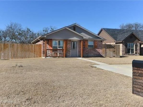 3 bed 2 bath Single Family at 607 S 2ND ST SANGER, TX, 76266 is for sale at 155k - 1 of 4