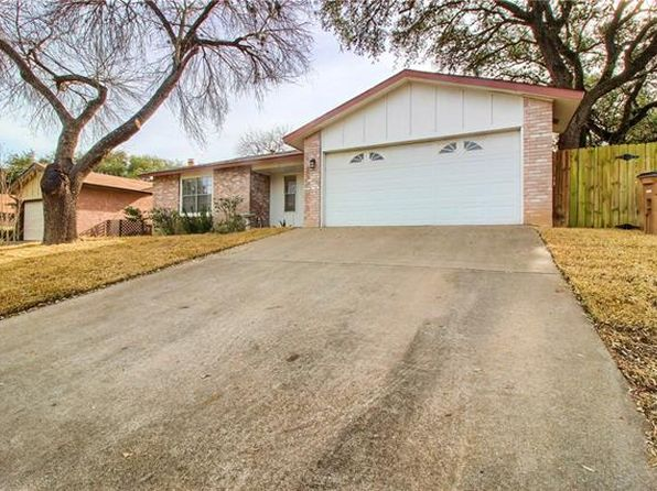 3 bed 2 bath Single Family at 7903 CROFTWOOD DR AUSTIN, TX, 78749 is for sale at 295k - 1 of 29