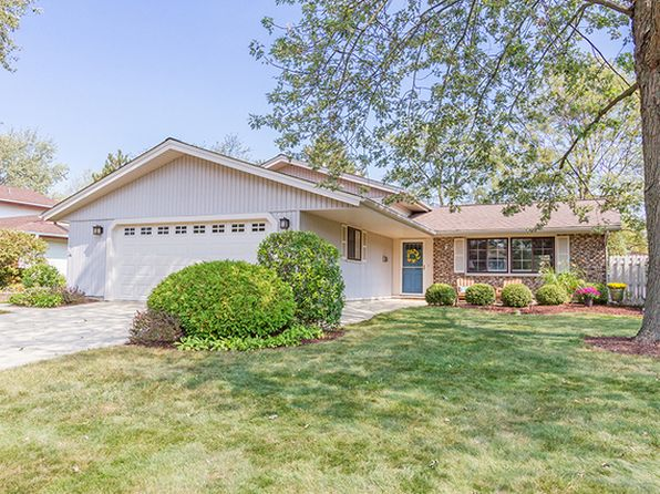 3 bed 2 bath Single Family at 121 Hinkle Ln Schaumburg, IL, 60193 is for sale at 322k - 1 of 27