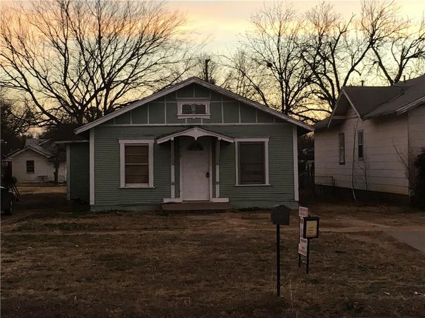 2 bed 1 bath Single Family at 926 3rd St Graham, TX, 76450 is for sale at 19k - google static map