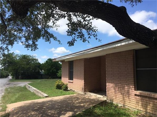 14 bed 6 bath Single Family at 726 E Coke St Hamilton, TX, 76531 is for sale at 160k - 1 of 3